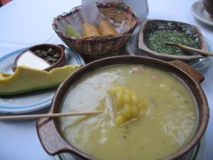 El ajiaco, plato típico representativo de Bogotá - Autor